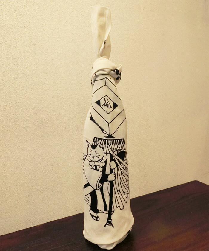 手ぬぐいボトル「猫の江戸火消し」